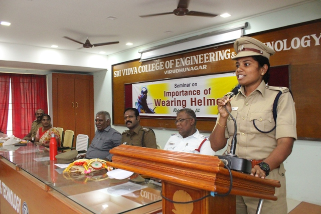 Importance of wearing helmet 27.08.2018